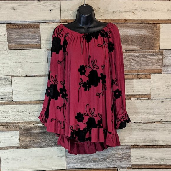 FORGOTTEN GRACE Tops - OFF the Shoulder Red & Black Sexy Top 3X nwot